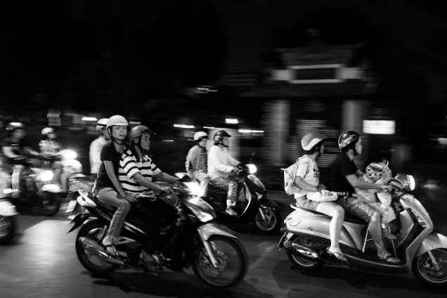 Street Photography, Vietnam, Travel Photography, Street, Travel, Ho Chi Minh City, Saigon, Black and White Photography,_-9